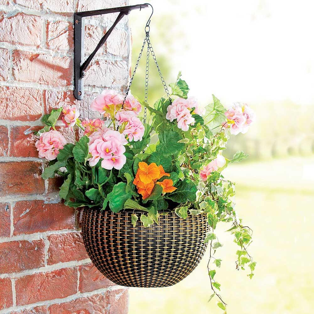 Bekend Self-Watering Hanging Basket - Buy 2 Save £5   Features   Coopers KH16