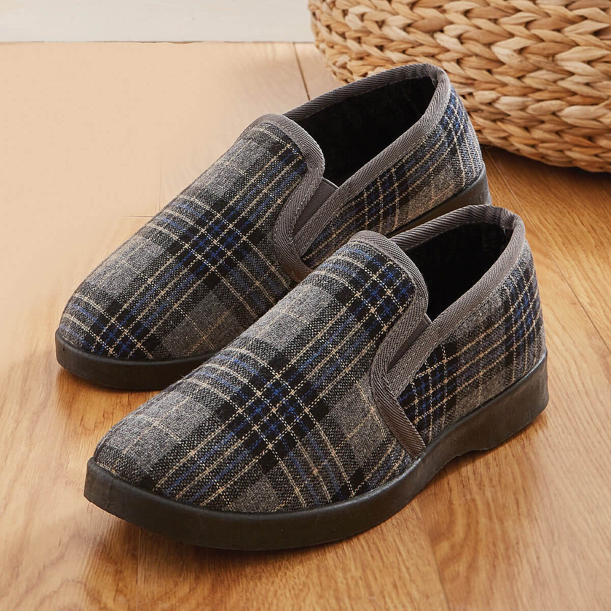 10 Check Thermal Slipper