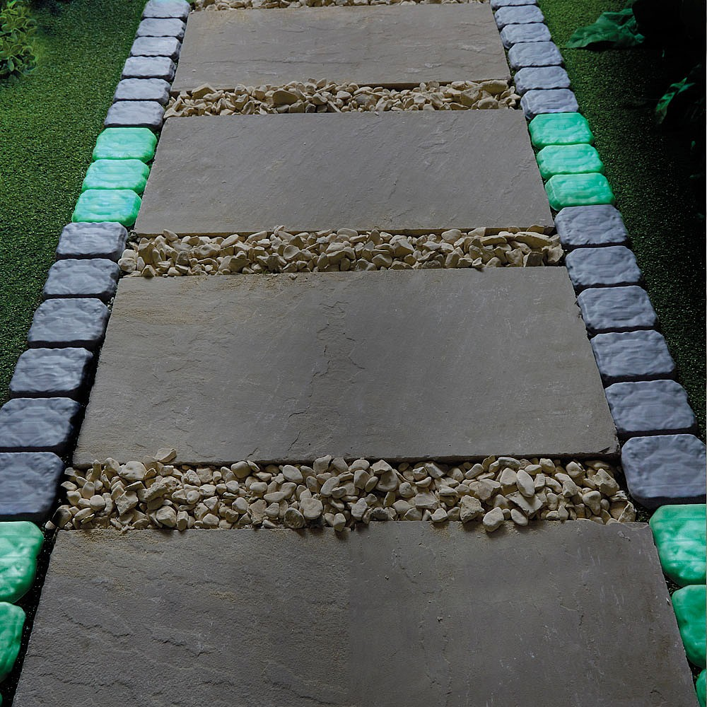Coopers of Stortford Cobbled Stone-effect Garden Lawn Edging