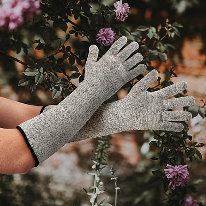 Scratch-Proof Gardening Gloves