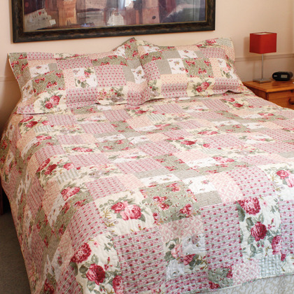 Double Rose Quilt Set